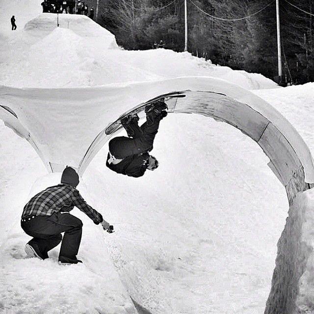 snowboarding loop